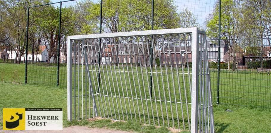 voetbaldoel ballenvanger - hekwerk soest b.v.