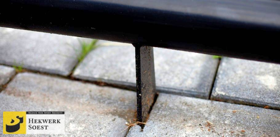 anti parkeerbuizen detailfoto platsoenhekwerk - hekwerk soest b.v.