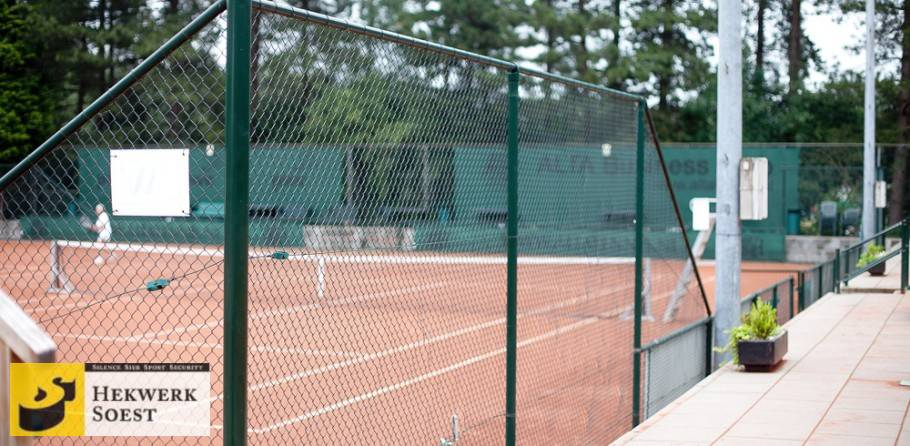 tennisbaanafrastering gaashekwerk - hekwerk soest b.v.
