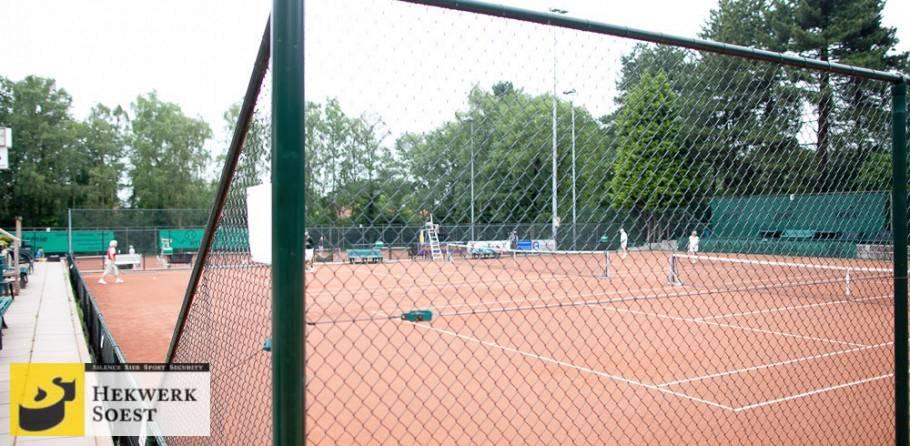 tennisbaanafrastering laag en hoog gaashekwerk - hekwerk soest b.v.