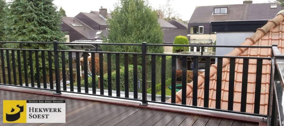 balkon met hekwerk