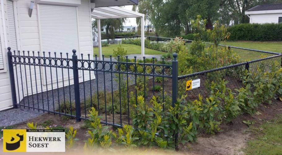 gaashekwerk en bijpassende poort