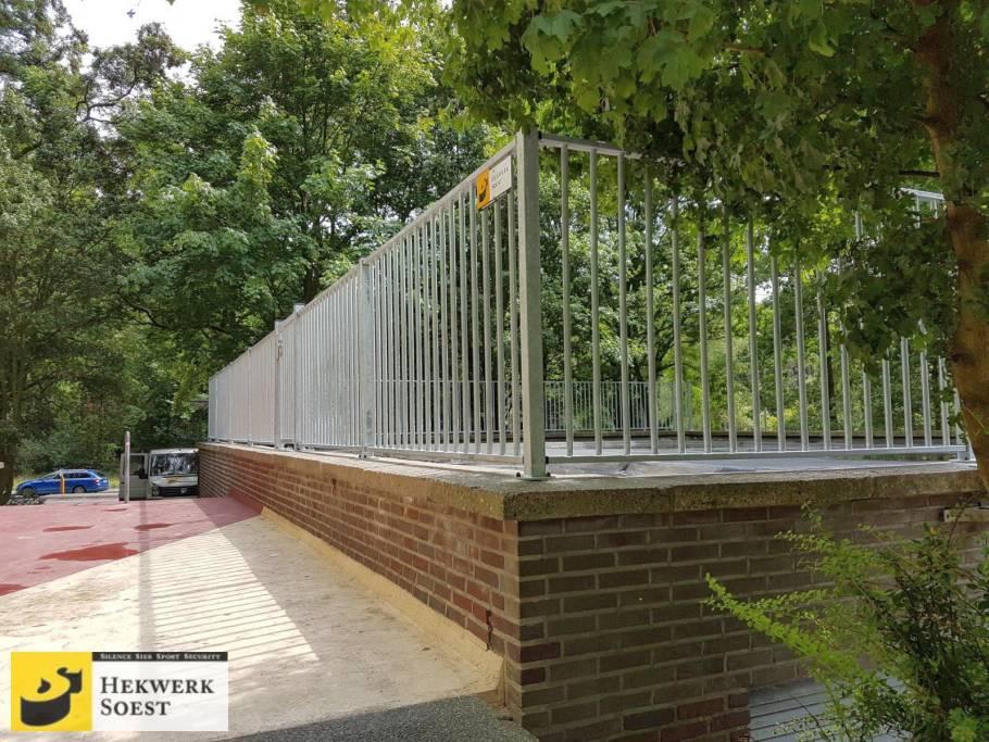 spijlenhekwerk op voetplaat project  juni 2017